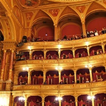 Clash of Europe and USA on a European art: Opera